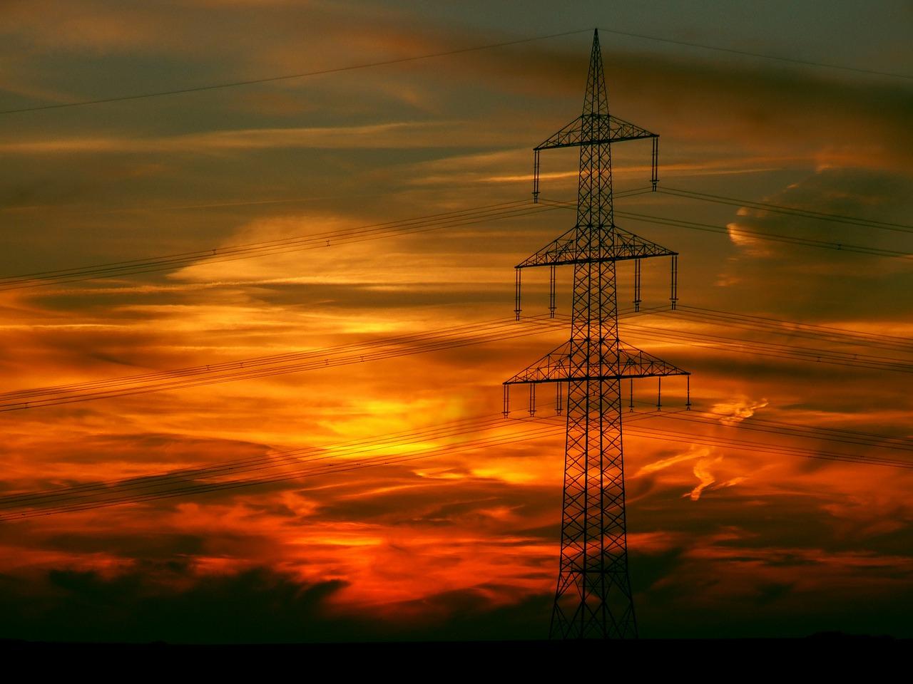 Mise en service des équipements électriques : à qui confier cette mission ?